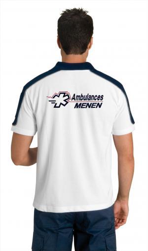 Afin de personnaliser la tenue de l'ambulancier, ce polo peut être brodé.